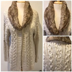CYNTHIA ROWLEY Beige Knit Sweater w/ Fur Collar